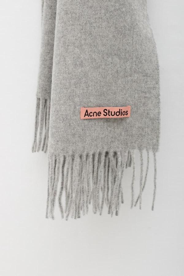 Shop Comme Des Garcons Play White T-Shirt P1T026